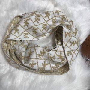 NWT Michael Kors infinity scarf